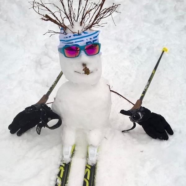 Les bonhommes de neige fous ont débarqué aux Plans-sur-Bex !